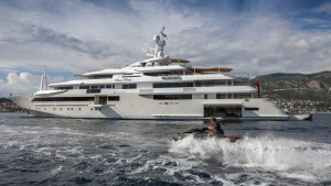 Superyacht-CHOPI-CHOPI-side-view