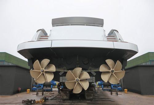 Surface Drives On Pershing Yachts Ita Yachts Canada