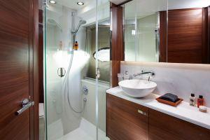 p49-fortward-bathroom-1