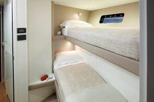 30m-crew-port-cabin-2