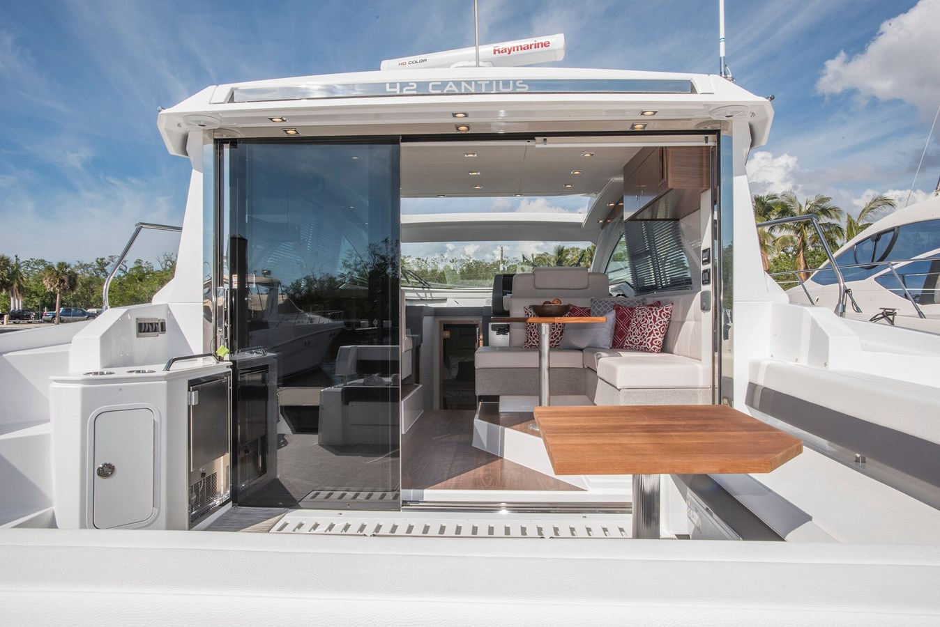 Cruisers Yachts Cantius 42 – 2018   Ita Yachts Canada