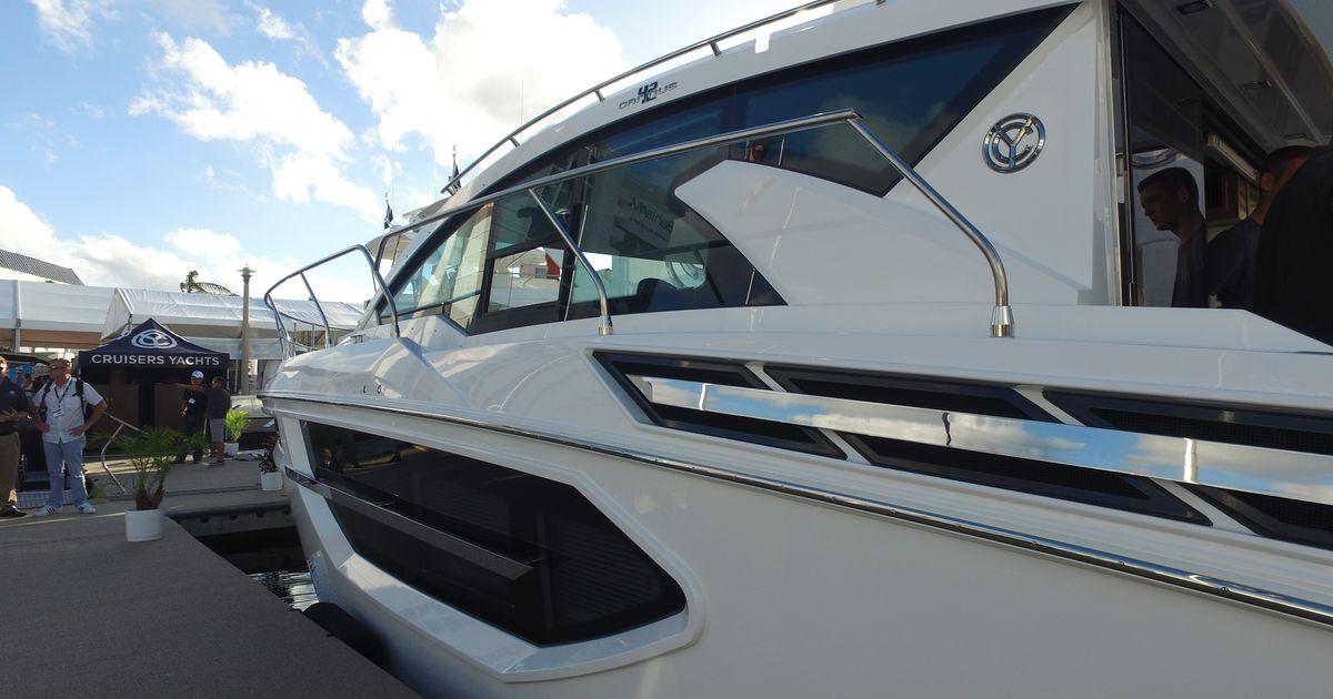 Cruisers Yachts Cantius 42 – 2018 | Ita Yachts Canada