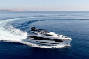 Dominator_Yacht